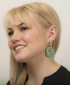 Jaida Oval Large Earrings Model
