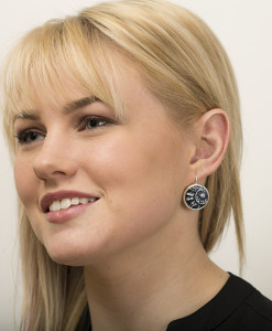 Kaya Circle Earring Model